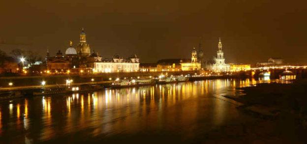 Das Foto zeigt die Brühlsche Terrasse in Dresden