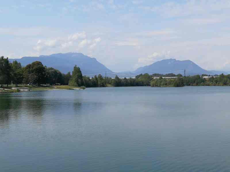 Foto vom Silbersee, Villach in Österreich.